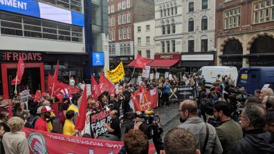 TGI Fridays, McDonald's and Wetherspoons workers take action in a protest outside a TGI Fridays in central London. Photo: War on Want.